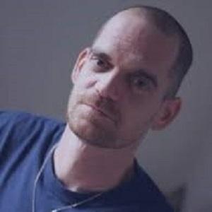 B1.11 - Guillaume Douceré  est une de mes références stages gays - Bruno DECK, masseur tantrique Perpignan