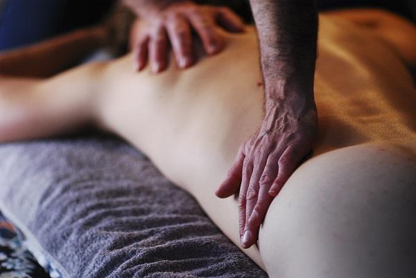 MT8 - La lenteur dans le massage - Par Bruno Deck - Masseur tantrique à domicile ©Hélène Toulet